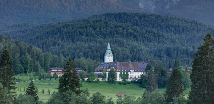 Elmau-hotel1