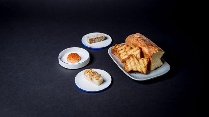 Hausgemachter-englischer-Toast-mit-dreierlei-Schmalz-Zwiebel_-Paprika-und-Pilz