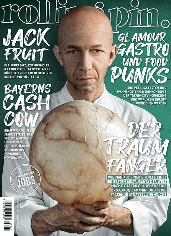 Riccardo Camanini, Küchenchef im Lido 84, mit einer aufgeblasenen Schweineblase am Cover des Rolling Pin Magazins