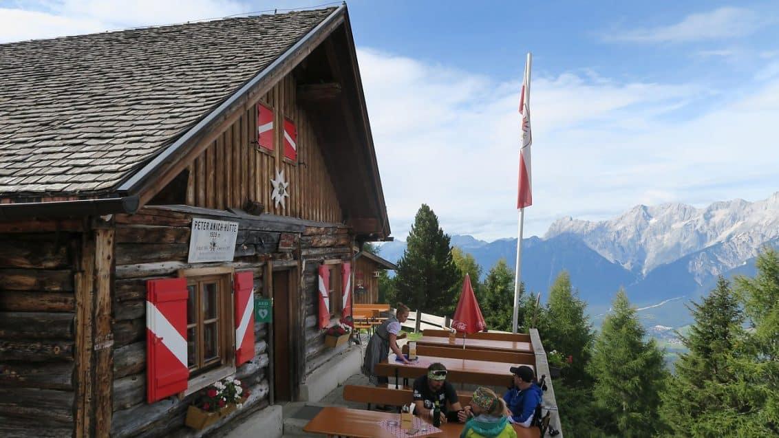 311596_bigpicture_97544_huette-vorne-terrasse-besser-1132x637