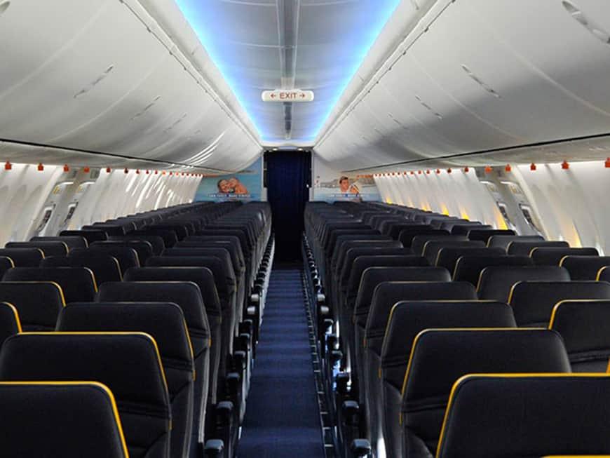 Ryanair-Leere-Reihen
