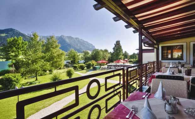 hotel-angebot-25-oesterreich-tirol-ferienclub-bellevue-am-see-terrasse-garten