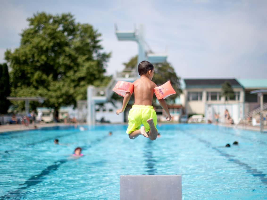 Schwimmbad, Corona-Regelung, Deutschland