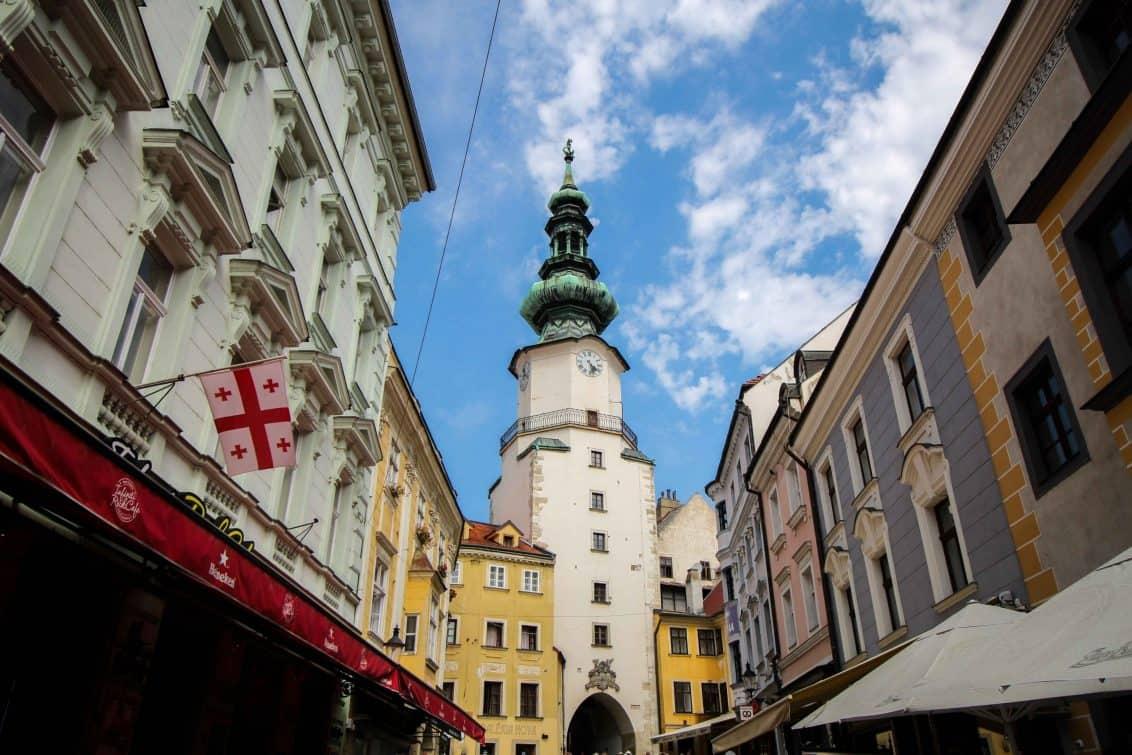 bratislava-slowakei-innenstadt-1132x755