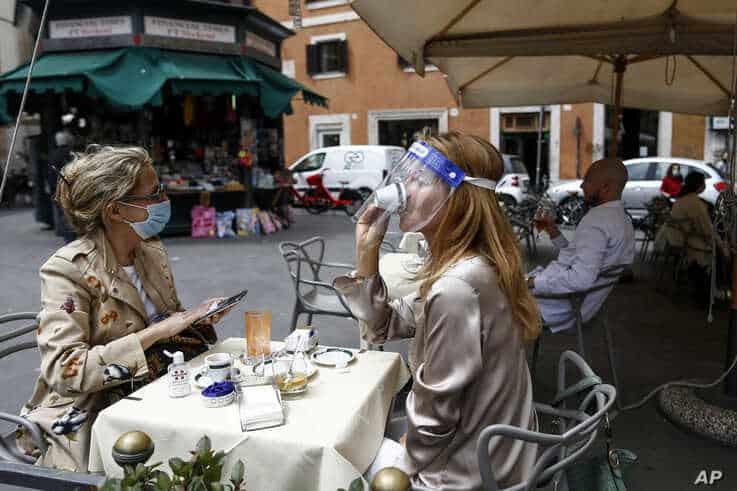 maske-italien-cafe