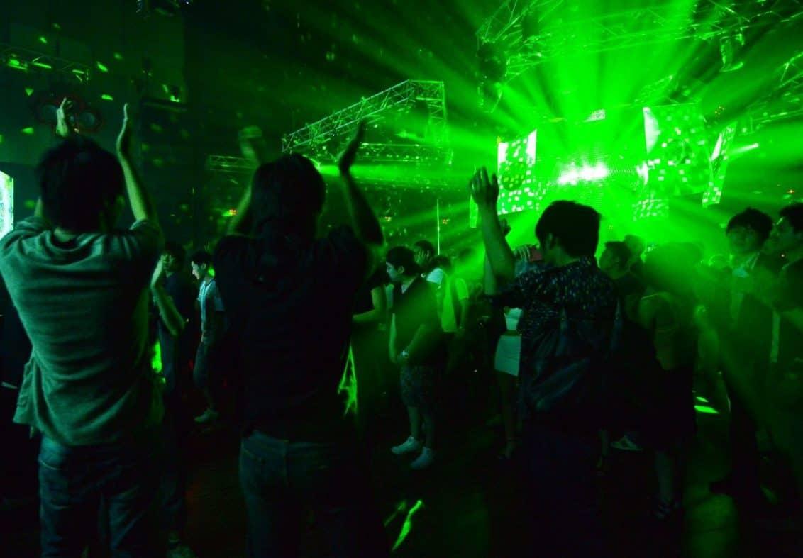 nachtclub-disco-bar-grell-party-nightlife-1132x787