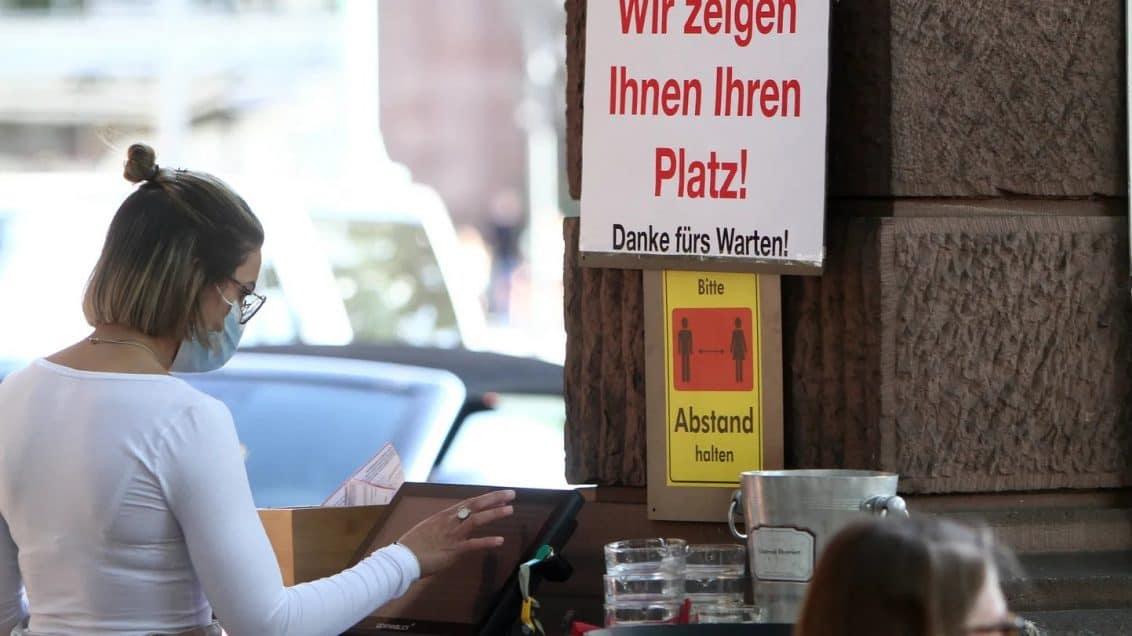 Maske-Kneipe-Gastgarten-Restaurant-1132x636