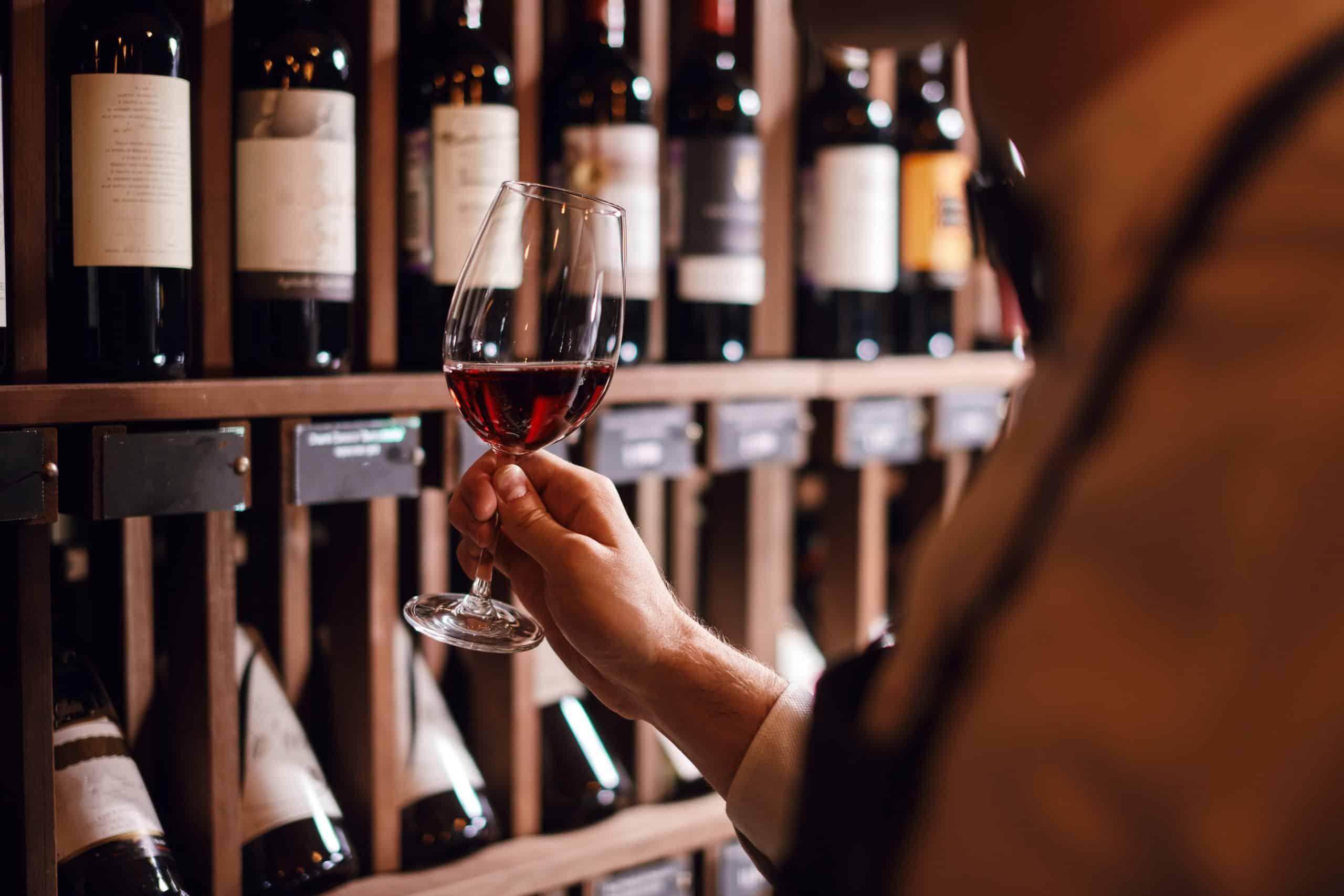 Wein Winzer Weinüberschuss