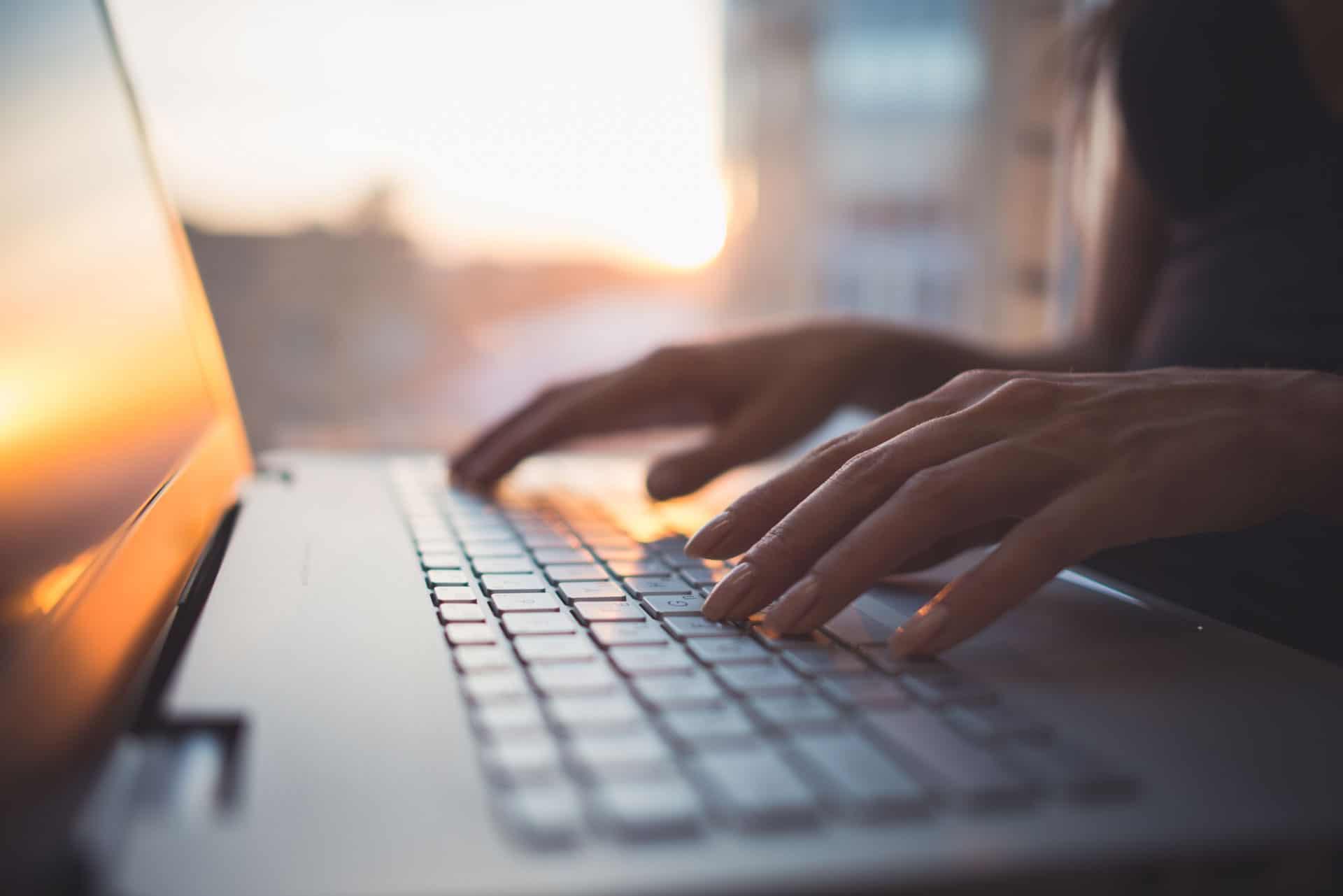 laptop-schreiben