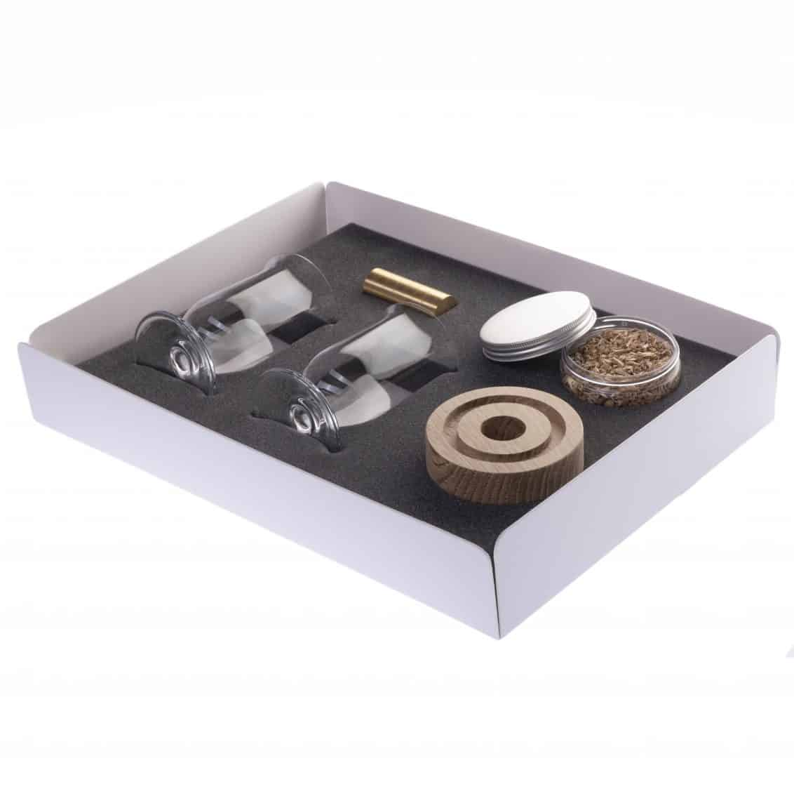 CD-Store-glasses-and-smoker-1132x1134