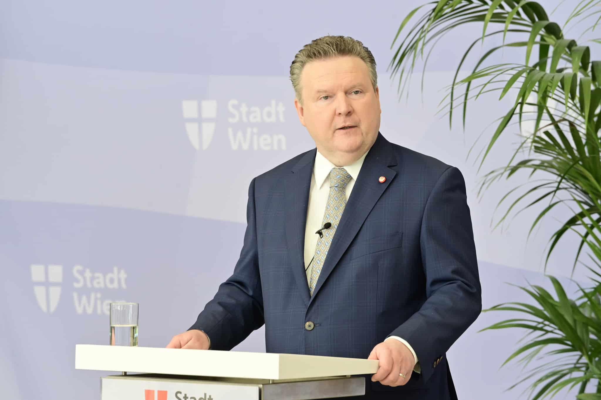 Wiens Bürgermeister Michael Ludwig bei Pressekonferenz