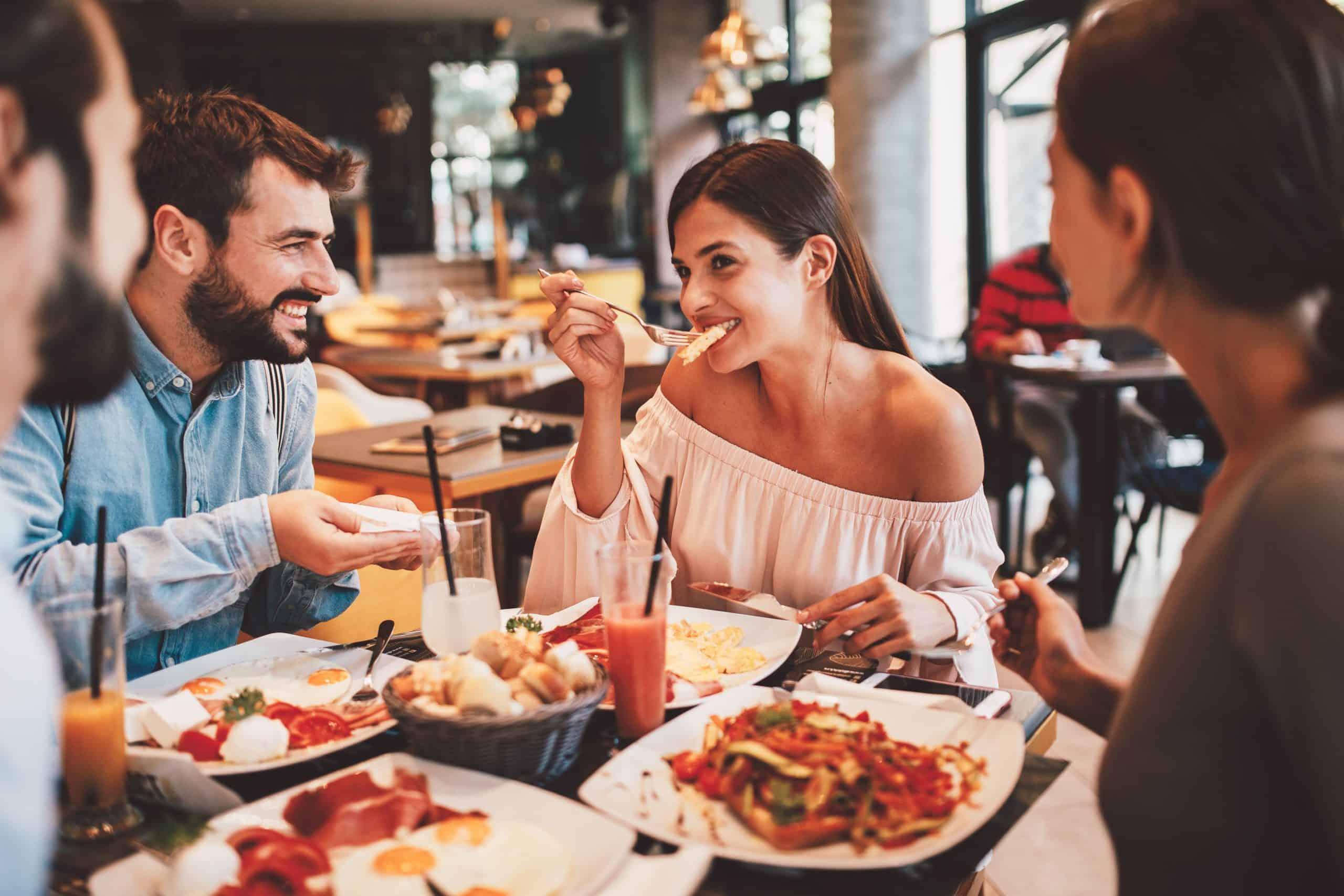 shutterstock_restaurant-scaled