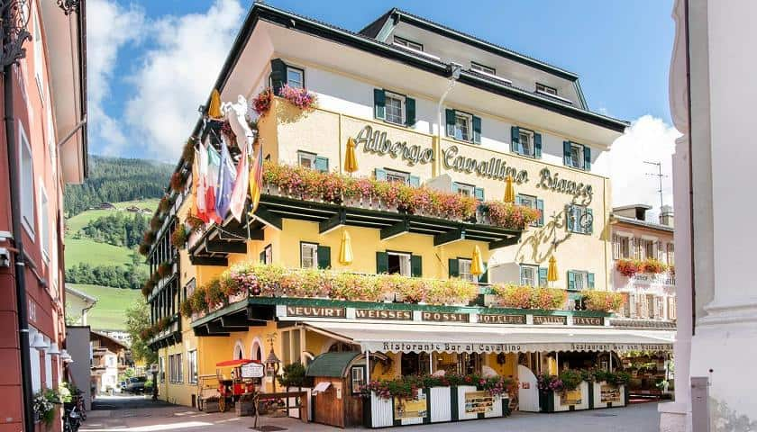 hotel_weisses_roessl