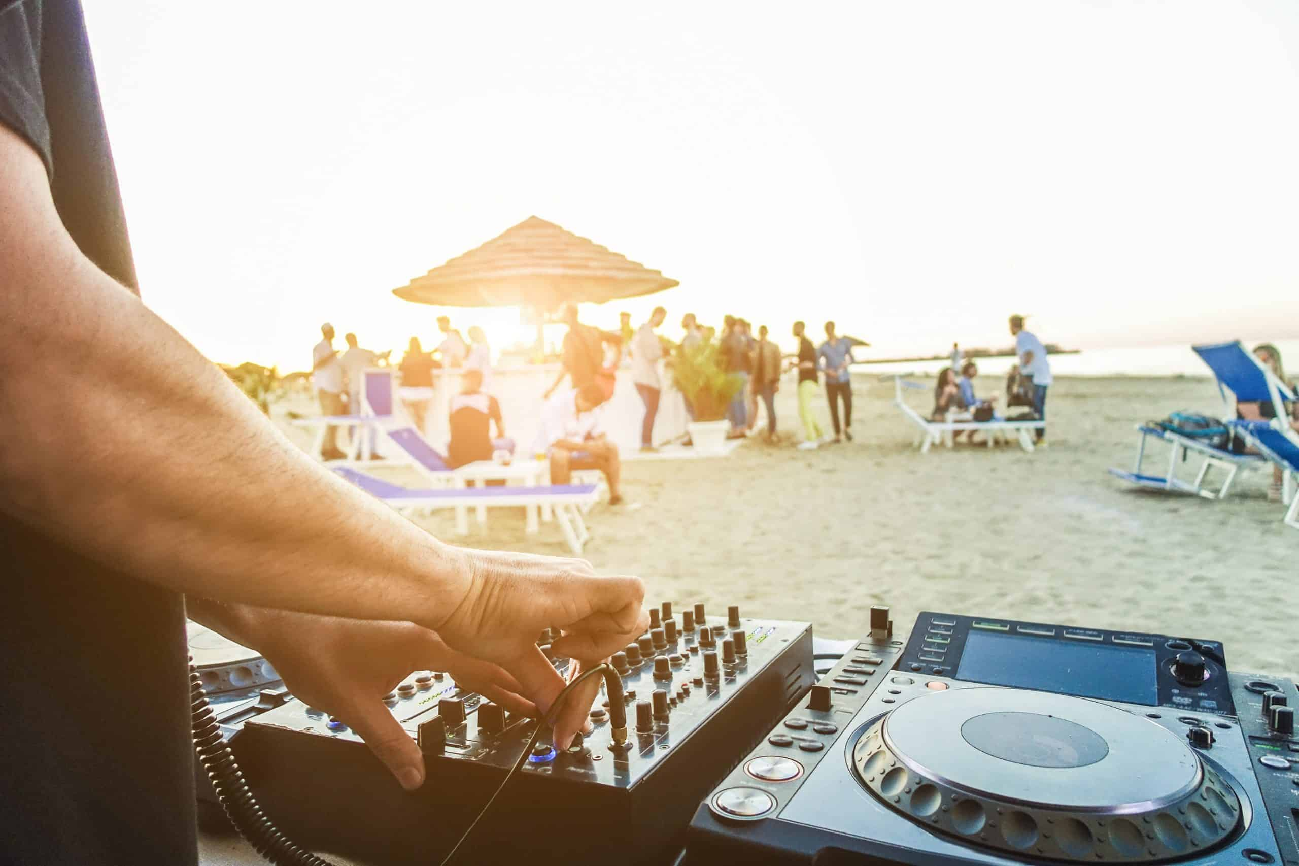 shutterstock_ibiza-beach-party-scaled